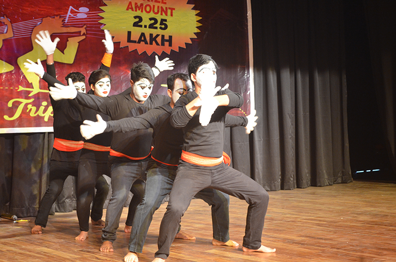 SCL Finale Mime Act